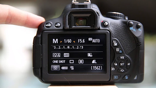 How-to back button focus on the Canon T4i, T5i, T6i, T6s - YouTube