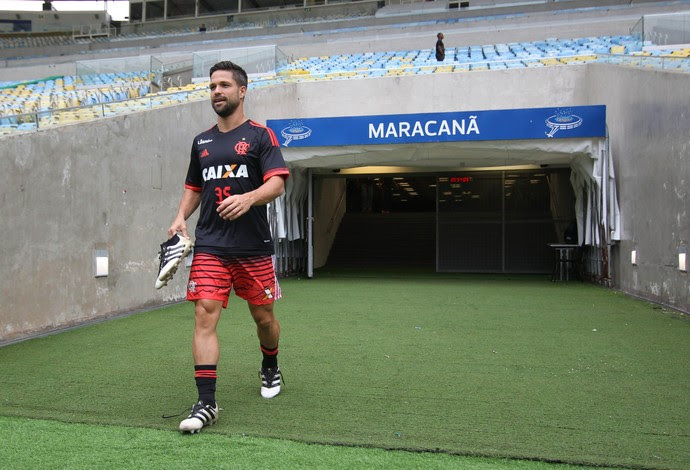 Diego em treino realizado no Maracanã (Foto: Gilvan de Souza/Flamengo)