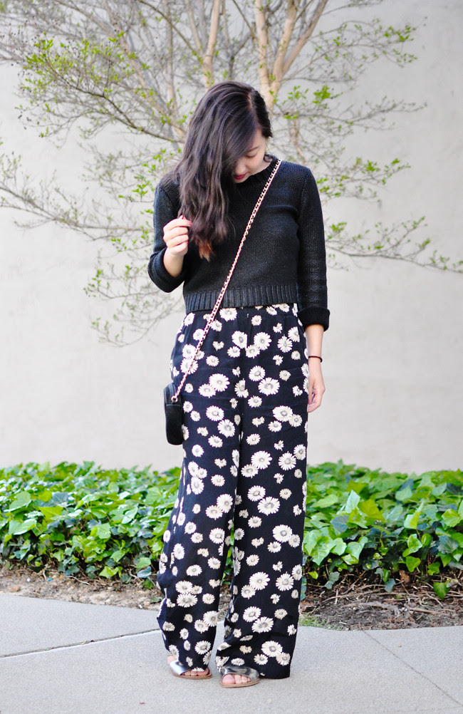 daisy printed bottoms, metallic sandals, sweater, vintage crossbody