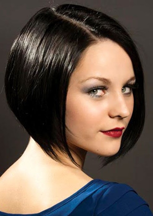 Classic Short Sleek Bob Hairstyle for Women