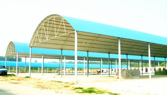 Struktur Rangka Baja Ringan Gudang Terbuka Untuk Bahan Bangunan Situs Konstruksi