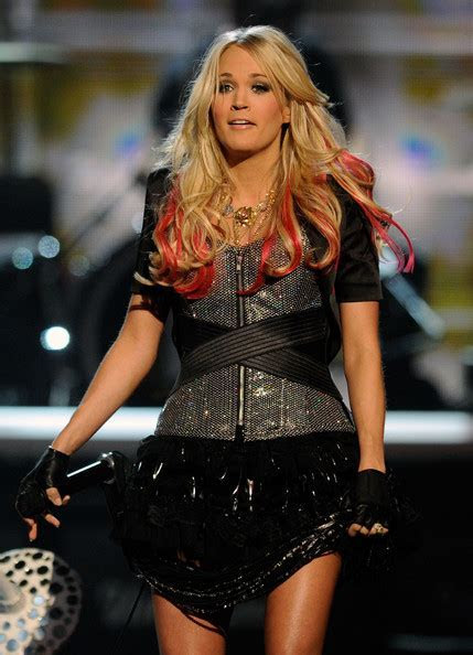 Carrie Underwood?s Best Haircuts   Hair World Magazine