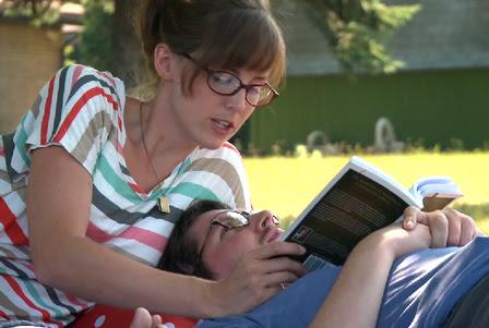 Larissa ajudou a família de Ian a cuidar dele após o acidente Foto: Reprodução/Vimeo