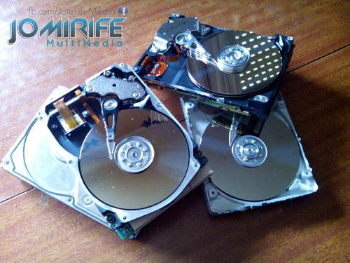 Desmontar discos rígidos para destruir [en] Disassemble hard drives to destroy