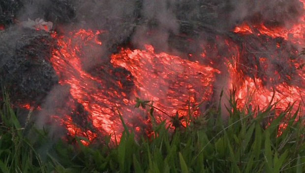 Lava do vulcão avança a 9m/h (Foto: BBC)