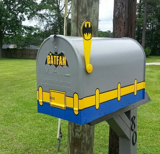 BATMAN NOTES - Pretty cool mailbox  via: Pinterest