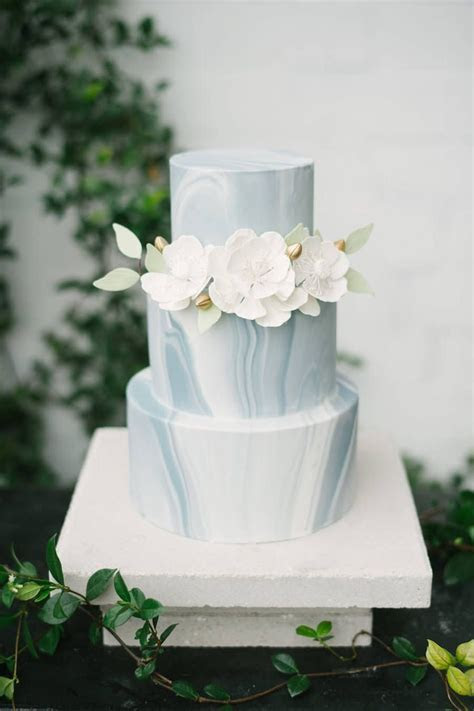 Expert Advice: 11 Tips for Choosing a Wedding Date   Cakes