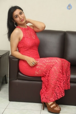 Sakshi Kakkar New Photos - 17 of 35