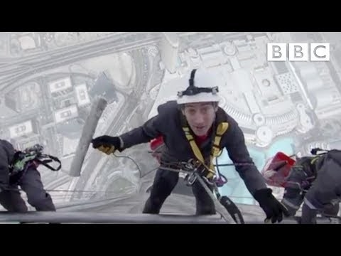 Window cleaning Burj Khalifa, the world's tallest building