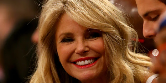 Christie Brinkley's Vacation Interrupted By Bird Attack