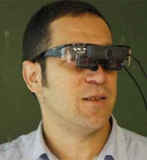 Óculos de realidade aumentada deixam professores mais inteligentes