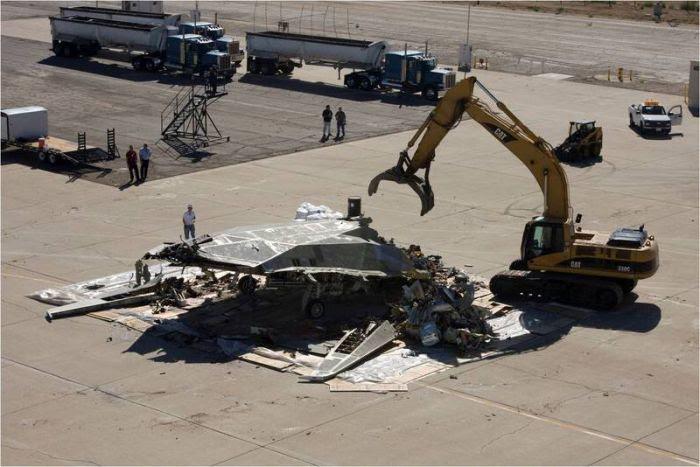 Disposal of Lockheed Martin F-117 Nighthawk (4)