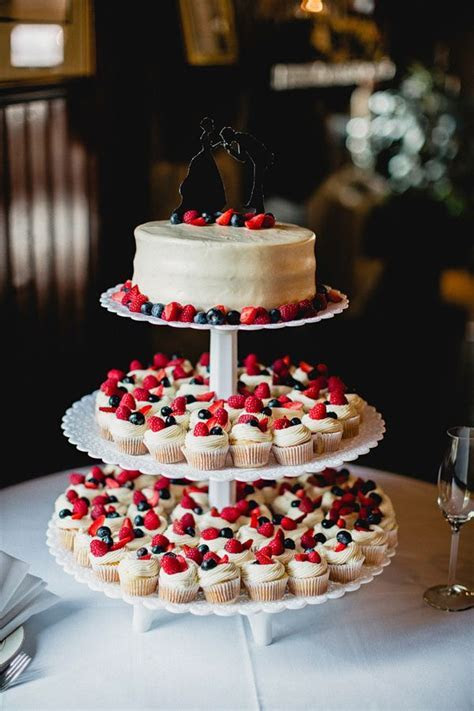 Best 10  Summer wedding cakes ideas on Pinterest