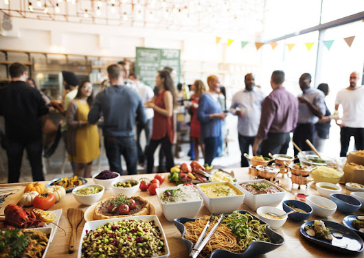 Dining In: The Benefits of Corporate Lunch Catering in the San Francisco Bay Area