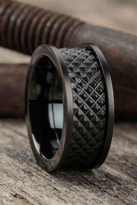 25  best ideas about Men Rings on Pinterest   Man ring