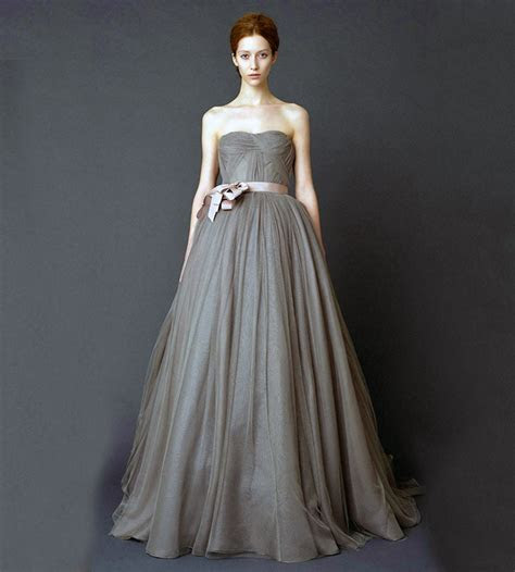 10 Vera Wang Wedding Gowns That Will Set His Heart Racing