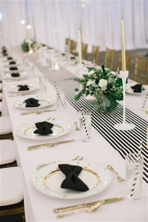 25  best Striped table ideas on Pinterest   White table