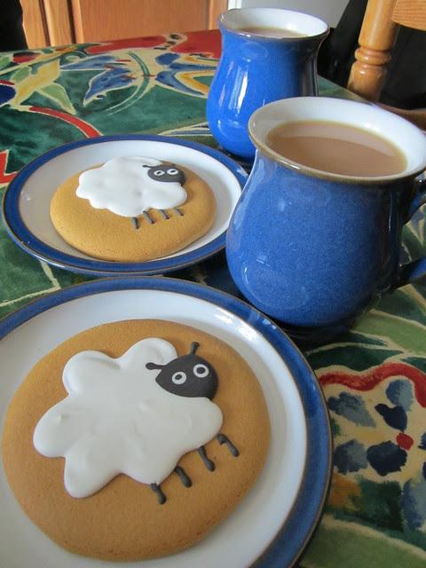 Sheepy munchies (2)