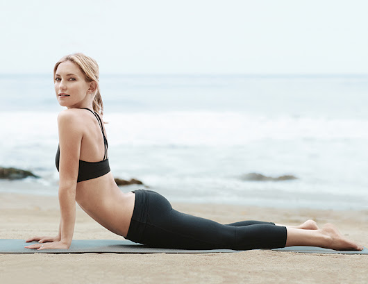 Kate Hudson Fabletics - WithoutLipstick