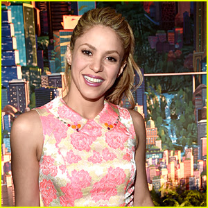 Shakira Debuts New Fiery Red Hair - See the Photo!