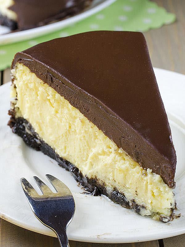Bailey's Irish Cream Cheesecake | Chocolate Dessert ...