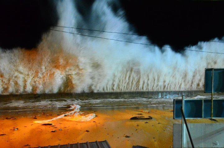 sswgy Kejadian Ombak Besar Di Dungun, Terengganu Disember 2011