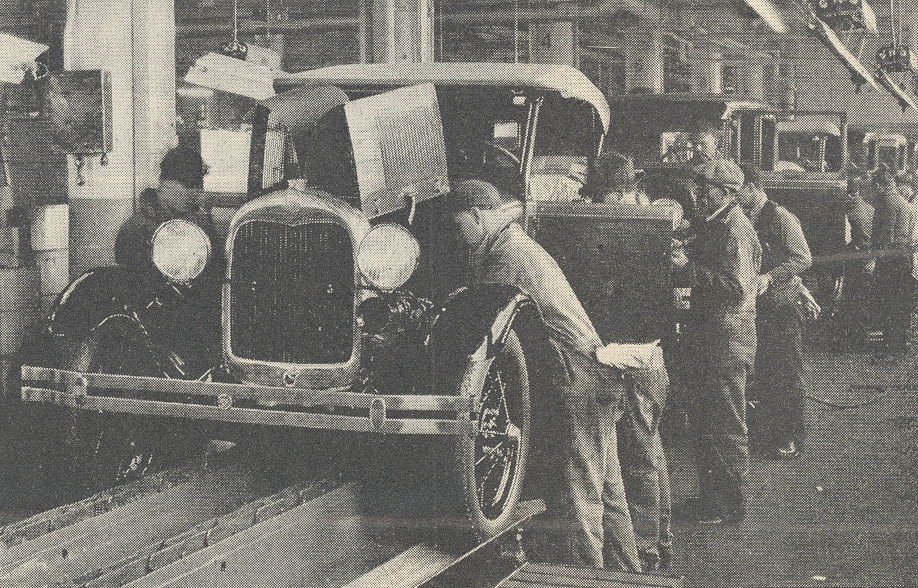 Ford_Motor_Company_assembly_line.jpg