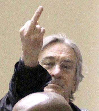DeNiro-finger
