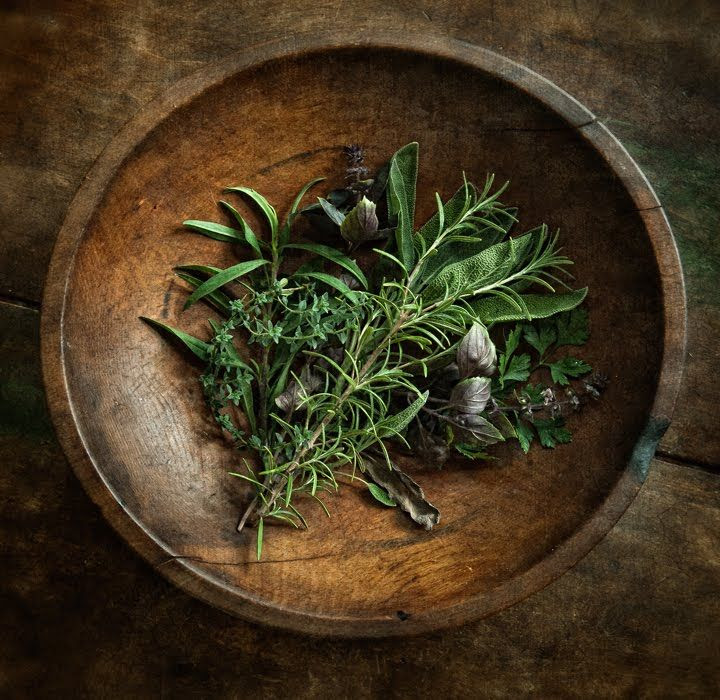 westernherbalism:  Parsley, Sage, Rosemary and Thyme Source