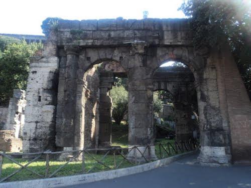 File:Arco di Roma.jpg