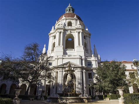 Prettiest city hall and courthouse wedding venues around LA