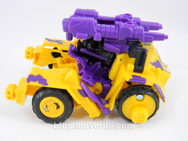 Transformers Onslaught Deluxe - G2 Fall of Cybertron - modo alterno