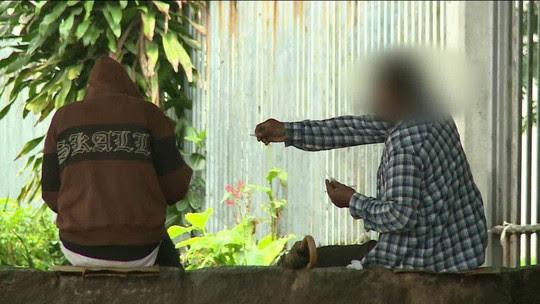 Vídeo mostra venda e consumo de drogas em área turística do Rio