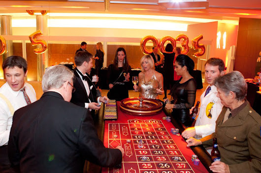 This Is What Happens At A Casino Theme Party
