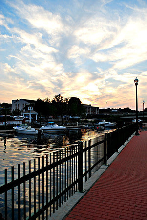 Pedestrian Walkway at the Norwich Waterfront