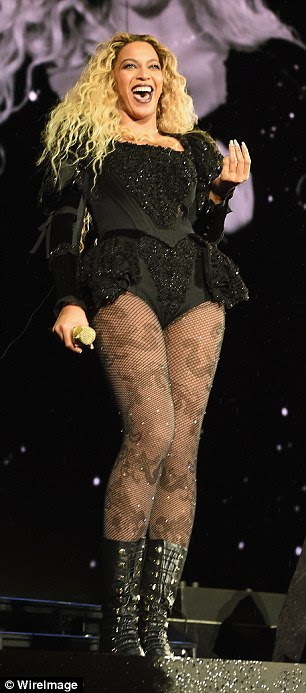 Super sultry: The singer also sported adramatic bodice that was evocative of the Victorian era