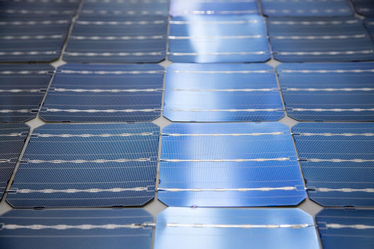 The World's Biggest Solar Project Comes With a 'Batteries Included' Sticker - Bloomberg