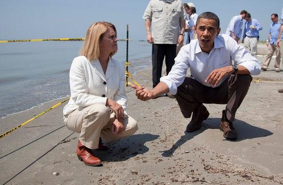 """Обама официально назвал США """"пупом Земли"""""""