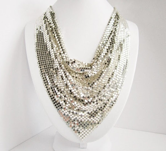 Whiting & Davis Signed Vintage Silver Tone Mesh Bib Necklace