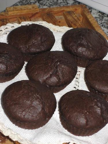 MAGDALENAS DE CHOCOLATE Y CERVEZA NEGRA