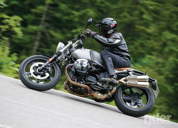 A higher handlebar, skinnier, right-side-up fork with gaiters and upswept exhaust—not to mention a lower price—distinguish the Scrambler from the standard R nineT. (Photos: Markus Jahn, Peter Musch, Arnold Debus and Jorg Kunstle)
