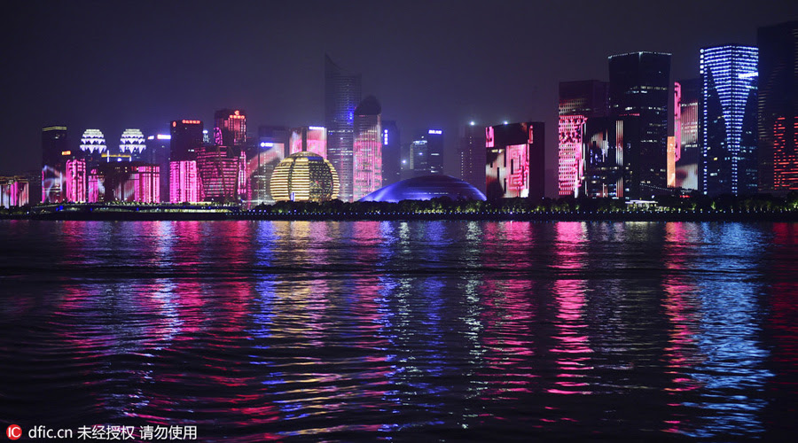 Qiantang River in Hangzhou lightened for G20 Summit