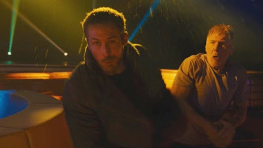 Funny Photo of Harrison Ford Accidentally Punching Ryan Gosling in the Face While Filming BLADE RUNNER 2049