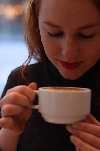 rosie sips latte