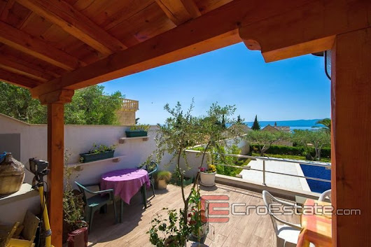 Croatia,Brac - Apartment house with the sea view, for sale