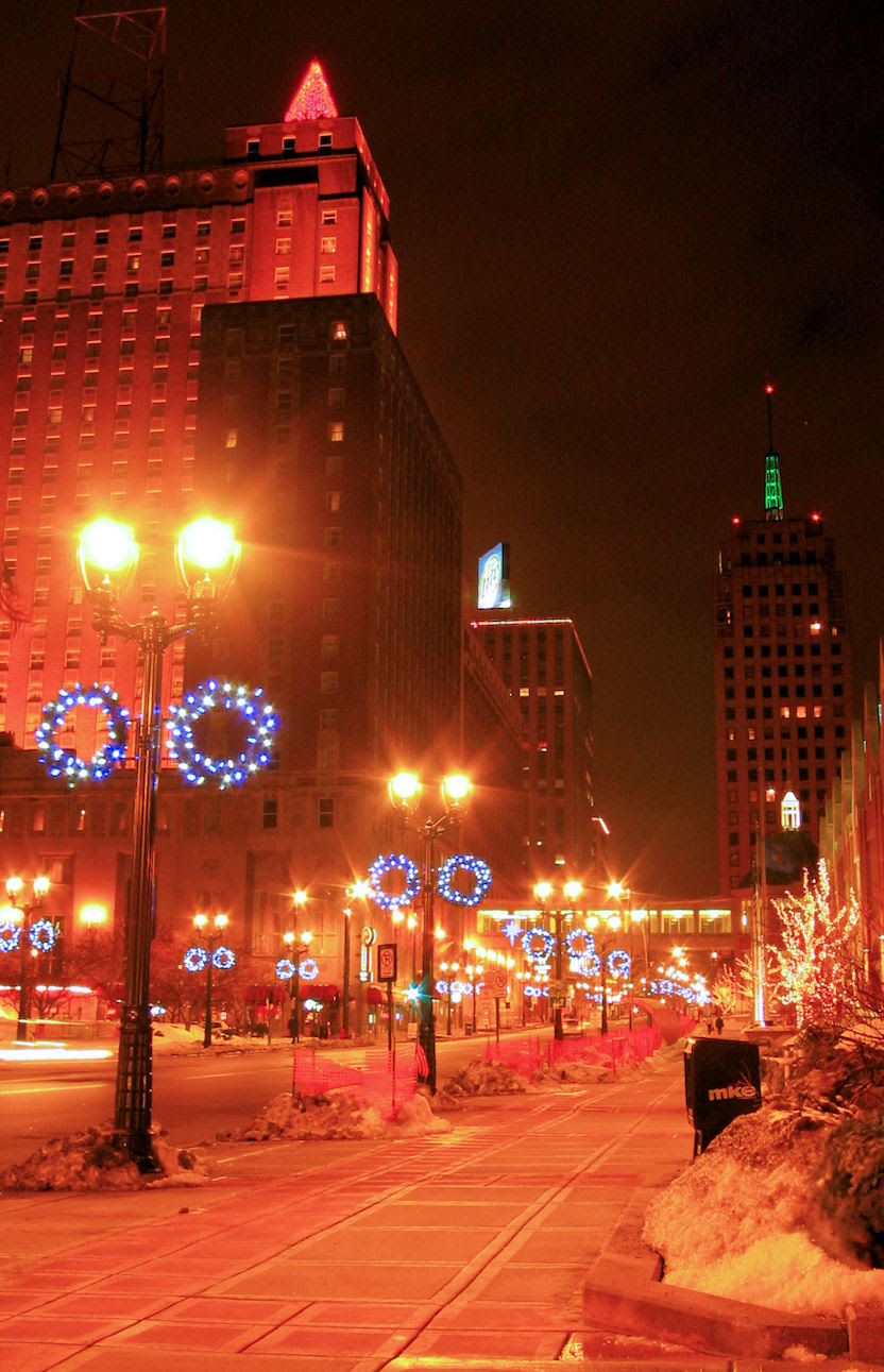 Milwaukee Christmas Lights - By Mike Fisk - Dec 2007 - soul-amp.com