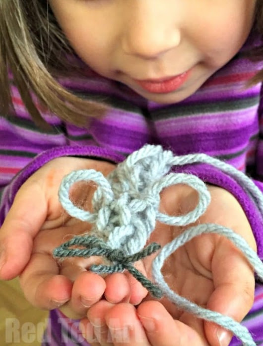 Finger Knitting: Simple Mouse Cat Toy Craft - Red Ted Art's Blog