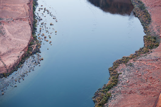 Shoreline of the Colorado River – Horseshoe Bend – Page, Arizona
