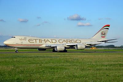 Etihad Airways Cargo (Etihad AIrways)-Atlas Air Boeing 747-87UF N855GT (msn 37567) AMS (Ton Jochems). Image: 913266.