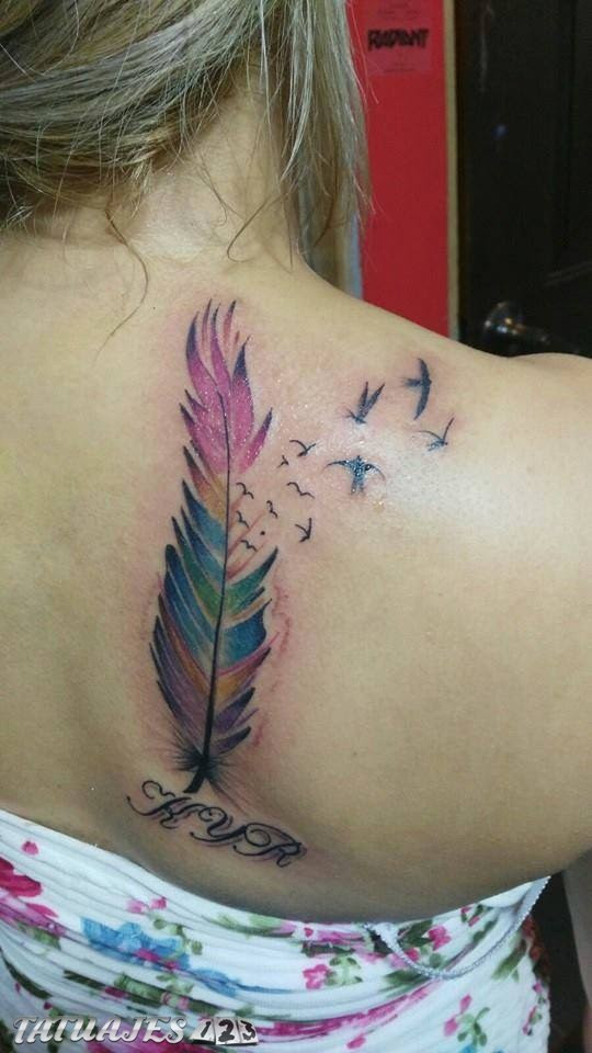 Pluma En Colores Con Iniciales Tatuajes 123